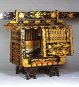 A460(黒漆塗松竹梅蒔絵籠)
