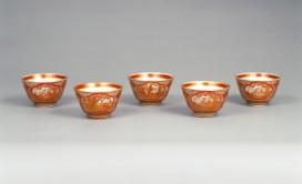 金襴手唐人物図煎茶碗(H409-1)